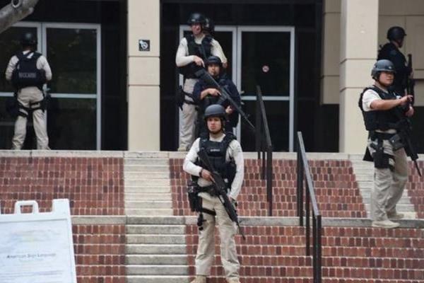 تیراندازی در محوطه دانشگاه کالیفرنیا
