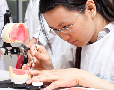 تحصیل در رشته دندانپزشکی در آمریکا