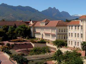 دانشگاه استلنبوش